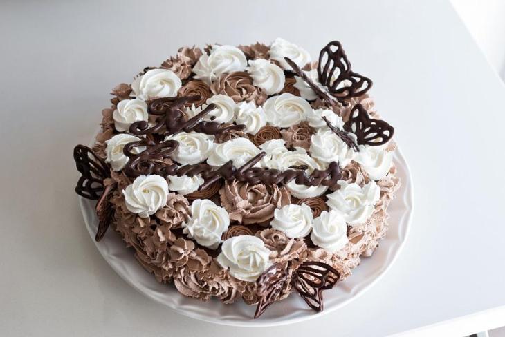 Chocolate Roses & Butterflies Cream Pie