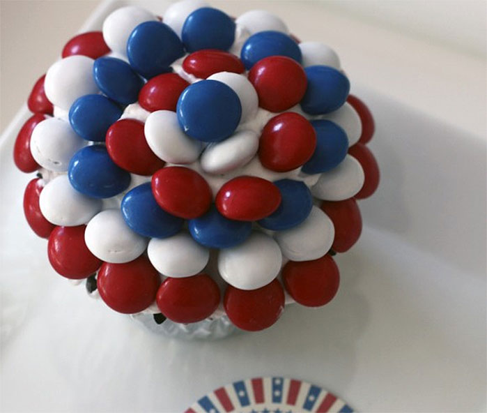 Fourth of July M+M Cupcakes