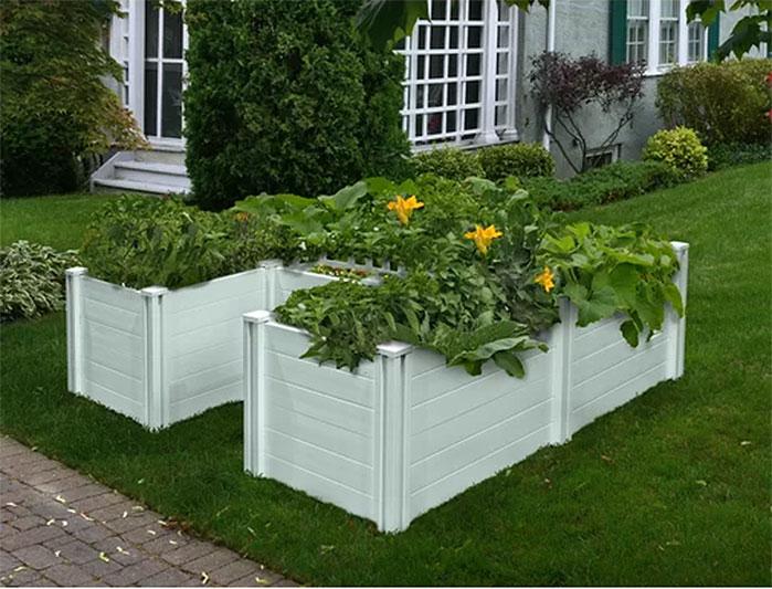 Keyhole Composting Raised Garden