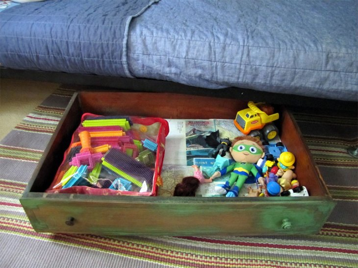 Old Dresser Drawers Upcyled as DIY Under Bed Storage