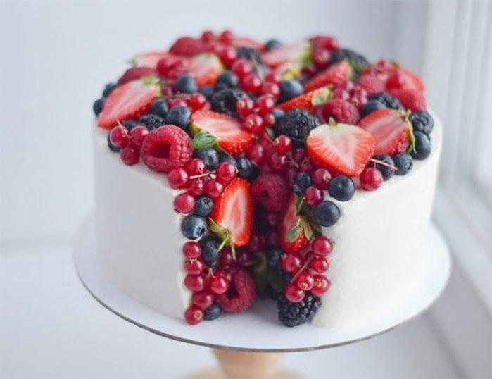 Split Open Berry Cake