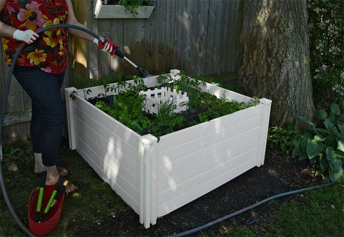 Vita Gardens Classic 4 x 4 Keyhole Composting Raised Garden