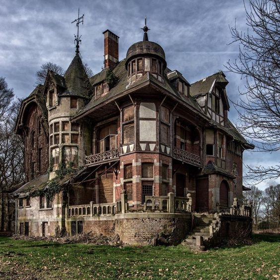 Abandoned Victorian Mansion in Belgium
