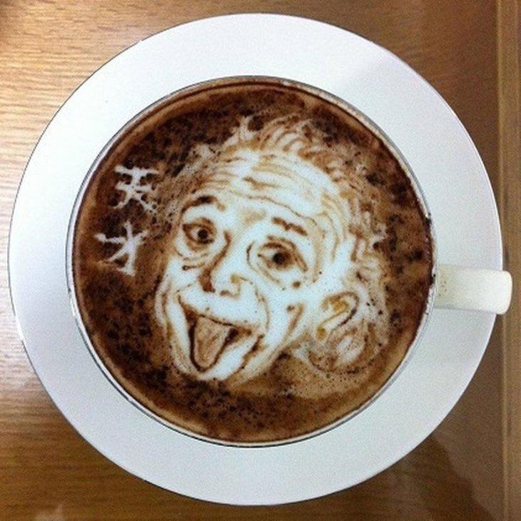 Albert Einstein Latte Art