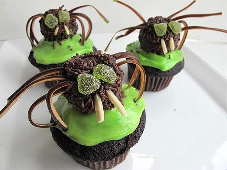 Creepy Crawly Spider Cupcakes