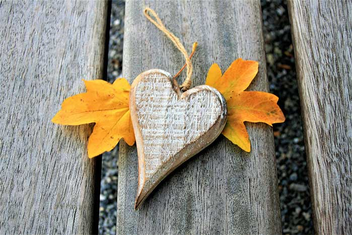 DIY Distressed Wood Heart Ornaments