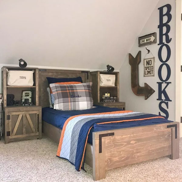 DIY Farmhouse Platform Bed