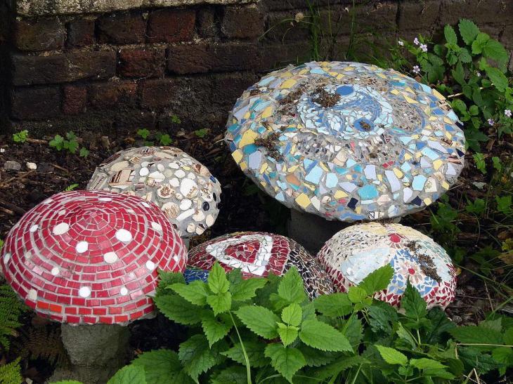 DIY Mosaic Mushrooms Toadstools