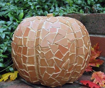 DIY Terra Cotta Mosaic Pumpkin
