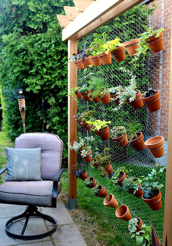 DIY Backyard Ideas | Vertical Herb Garden