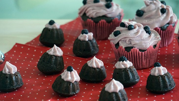 Mini Upside Down Chocolate and Blueberry Cupcakes