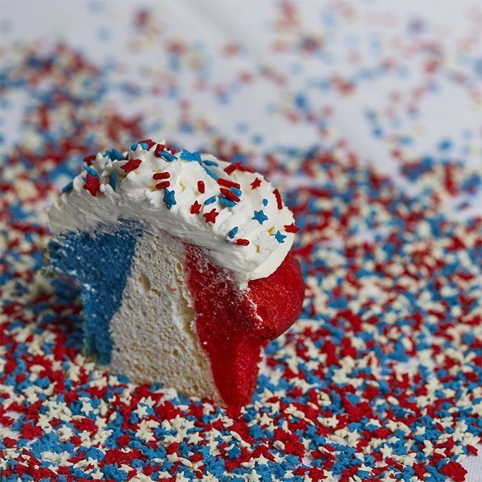 Patriotic Red, White, and Blue Cupcakes
