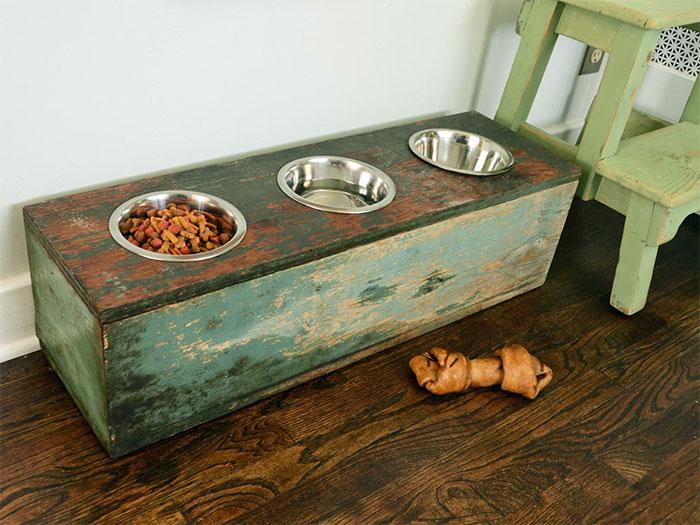 Rustic DIY Pet Feeding Station
