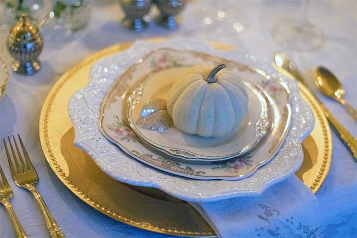 White Pumpkin Thanksgiving Table Setting