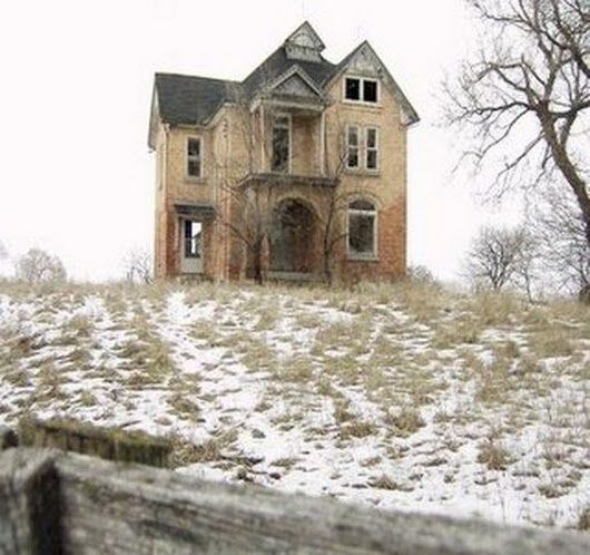 Beautiful Abandoned Farmhouse