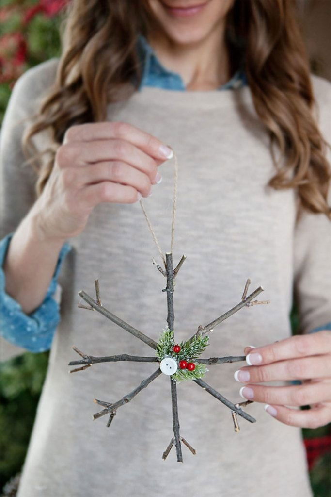 Rustic Twig Snowflake Ornaments | DIY Christmas Decorations