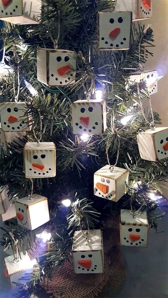Snowman Cube Ornaments | DIY Christmas Decorations