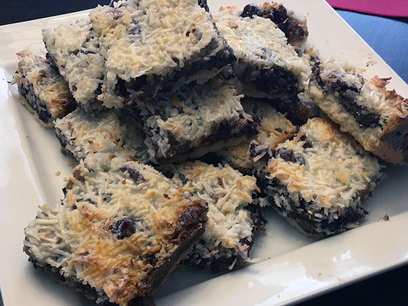 Dark Chocolate Cranberry Shortbread Magic Bars