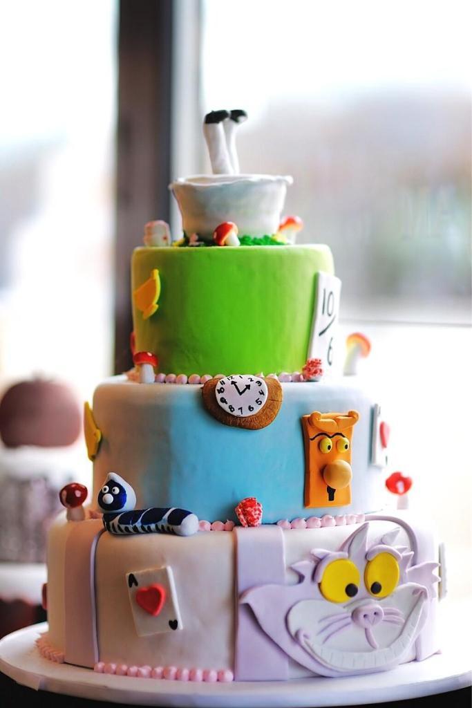 Birthday Cake Ideas for Girls - Alice in Wonderland