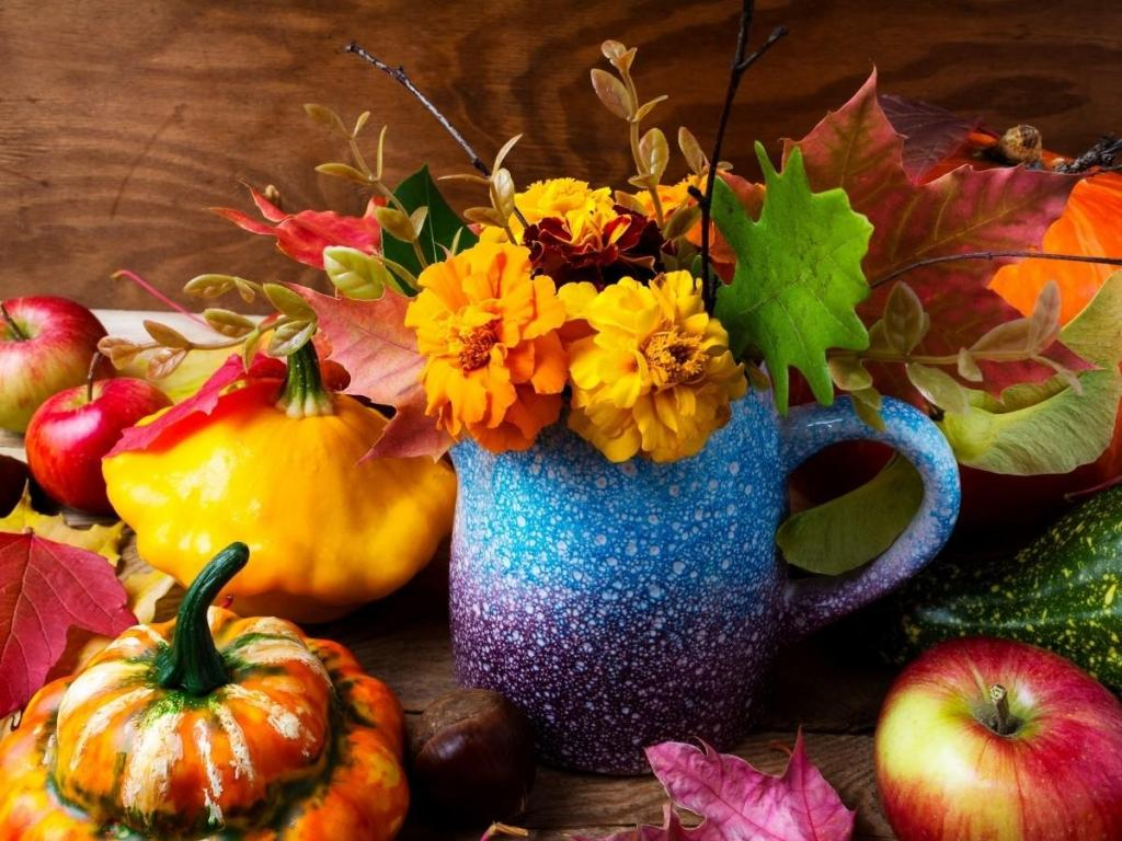 most common fall decorations