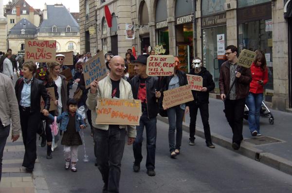 One+One 2010, Manifestation chantante