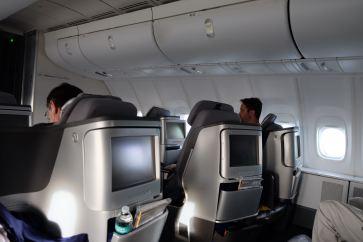 Snazzy business class, Lufthansa 747-800