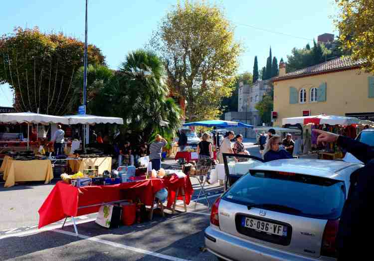 Small but good Saturday market in Eze