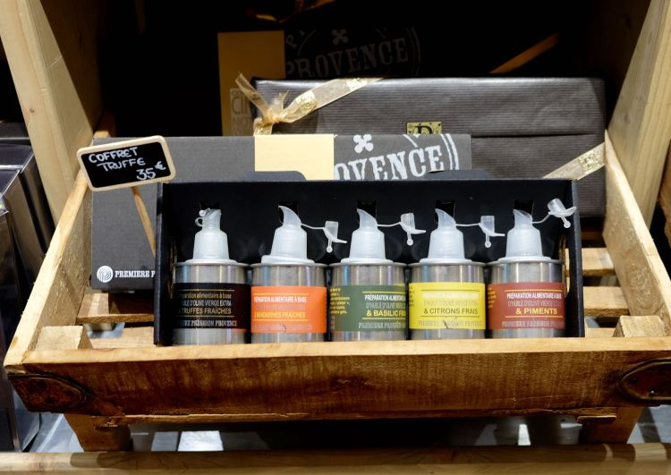 Olive oil gift set, of course