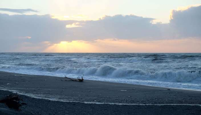 sunset over hokitika beach