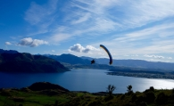 paraglider in wanaka