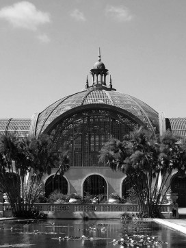 Black and white phot of the Botanical Building in San Diego's Balboa Park,