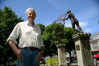 15/06/2017 Pic by: Penny Cross After five years in the making the sculpture by artist Rodney Munday has been placed on the pillars outside the Church of St Andrew . Pictured: Artist Rodney Munday Contact: Alun Hughes 07941720433 Reporter: Sarah Waddington