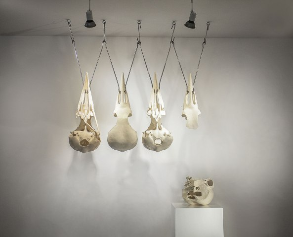 stoneware, stainless steel 125 x 24 x 130 cm