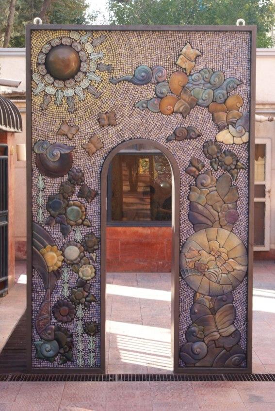 180 x 50 x 250, ceramic, metal, 2012