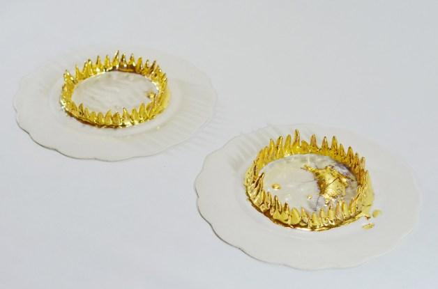 Porcelain, gold luster, hand modeling and slip cast, 70 cm x 80 cm x 7 cm, 2014