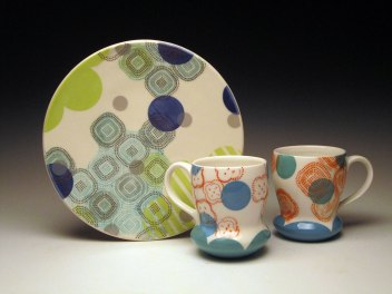 "Porcelain with decals, Plate: 1"" x 10.5"" x 10.5"", Mugs: 4.5"" h x 3.5"" x 5"" each"