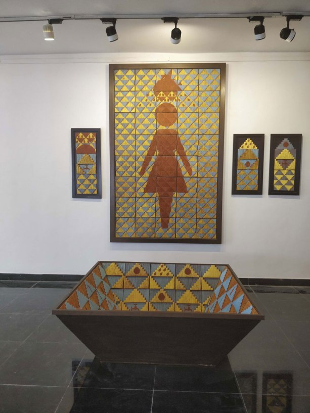 Terracotta, 140cm x 250 cm, 140 cm x140 cm x 55 cm
