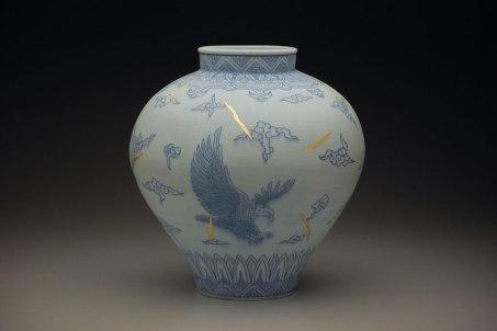 "16"" x 16"" x 18"", porcelain, cobalt inlay, epoxy, gold leaf, 2013"