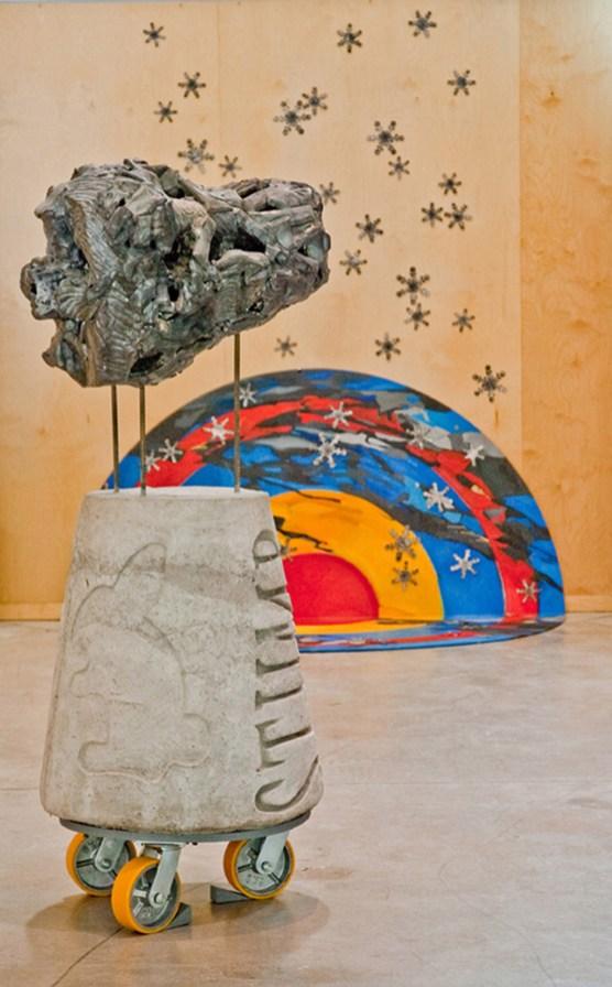2010. Ceramic (earthenware, slip, terrasigillata, glaze), cast cement, hardware, metal, oil on wood panel. Sculpture : 71 x 71 x 152 cm. Painting: 213 cm en diameter.