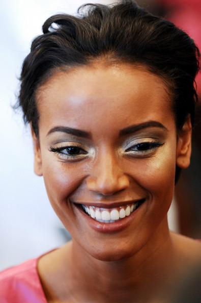 selita ebanks flawless makeup