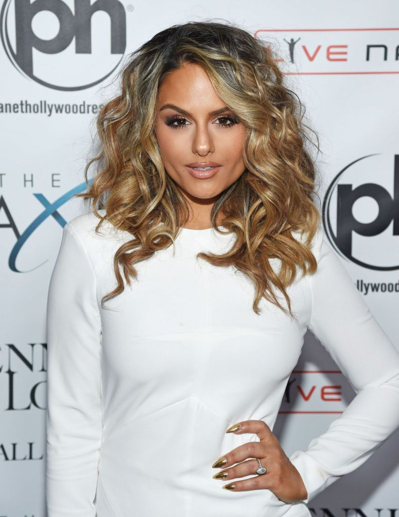 pia-toscano-jennifer-lopez-all-i-have-residency-launch-in-las-vegas-january-20-2016-5
