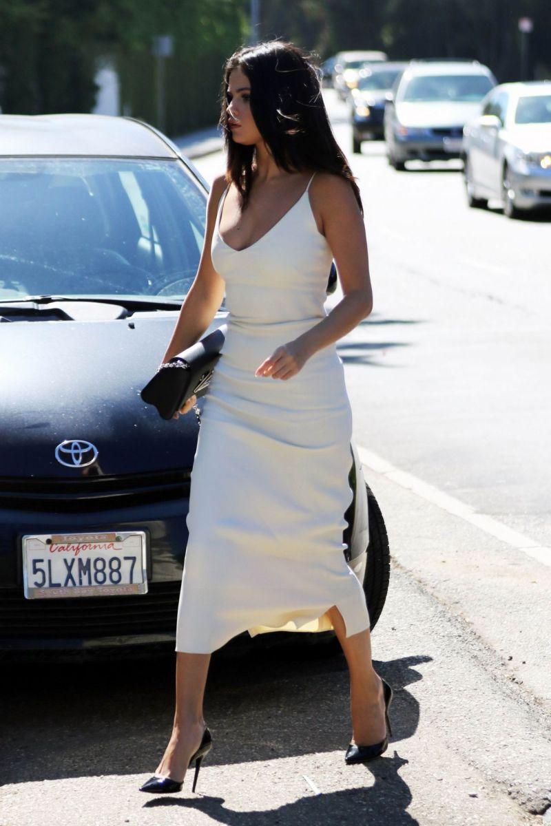 selena-gomez-in-white-dress-jennifer-klein-s-day-of-indulgence-party-january-2016-6