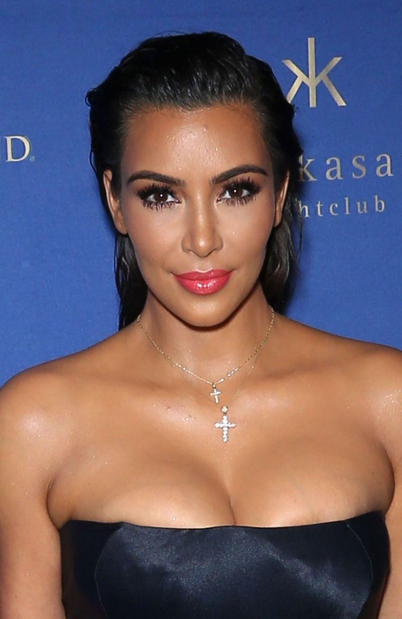 kim-kardashian-at-hakkasan-nightclub-in-las-vegas-07-23-2016-1