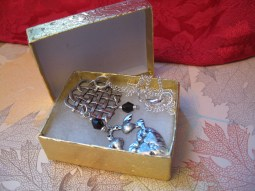 Holiday Bling - comes with gold box for gift giving