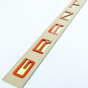 Светоотражающий шильдик-орнамент GRANTA в стиле Porsche (Красный)