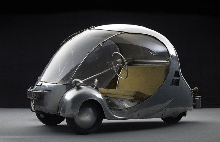 Image - Electric  egg is an electric car, one of the  electric cars   by Paul Arzens which he calls L'Œuf électrique, 1942.  Paul Arzens was a French designer and fabricator