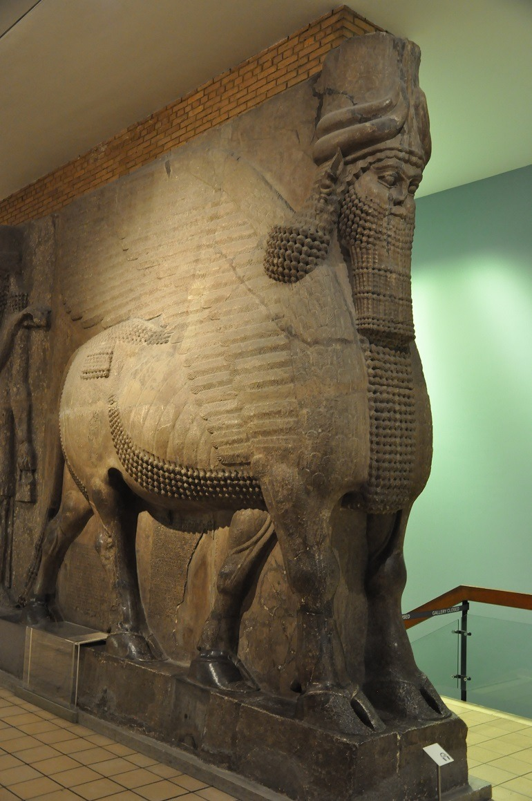 ISIS Video Of Mosul Museum Epitomizes Cultural Genocide Artcentron - Great museums in us
