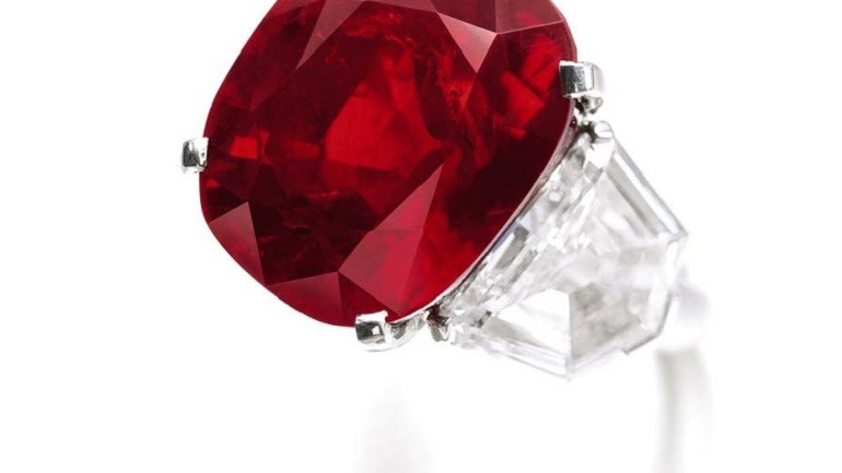 Cartier Designs Top Sotheby's Jewel Auction in Geneva