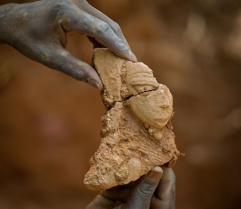 Image: Fragment of a human torso, a Terracotta Nok sculpture from first millennium BC