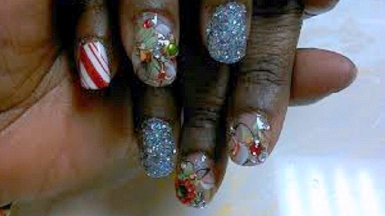 Nail Art Designs Set Mood for the Holidays and Lifestyle - Nail Art Designs Set Mood For The Holidays And Lifestyle Artcentron